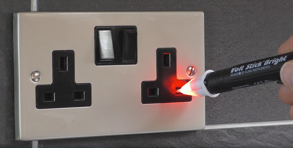 Volt Stick Bright testing with electrical socket switch on - voltage present